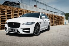 AEZ Steam Graphite vs. Jaguar XF Sportbrake