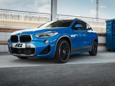 BMW X2 vs. AEZ Crest Dark