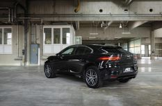 AEZ Panama Dark vs. Jaguar I-Pace
