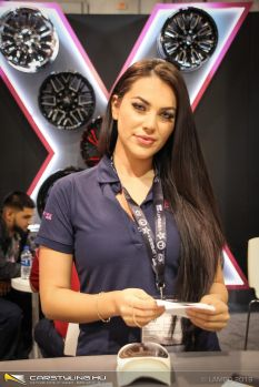 SEMA Show 2019 - Girls only!