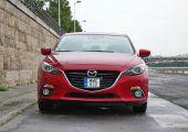 Teszt Mazda3 kétliteres, benyás