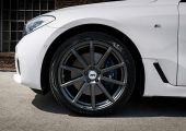 Az erő sötét oldalán: BMW 6GT + AEZ Straight Dark