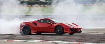 Chris Harrisnek is tetszett a Ferrari 488 Pista