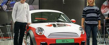 Átdásra került az AMTS 2021 nyereményautója, a Mini Cooper Coupé