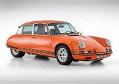 Elöl Porsche 911, hátul Citroen DS