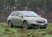 Ringbe száll:  Opel Insignia Country Tourer