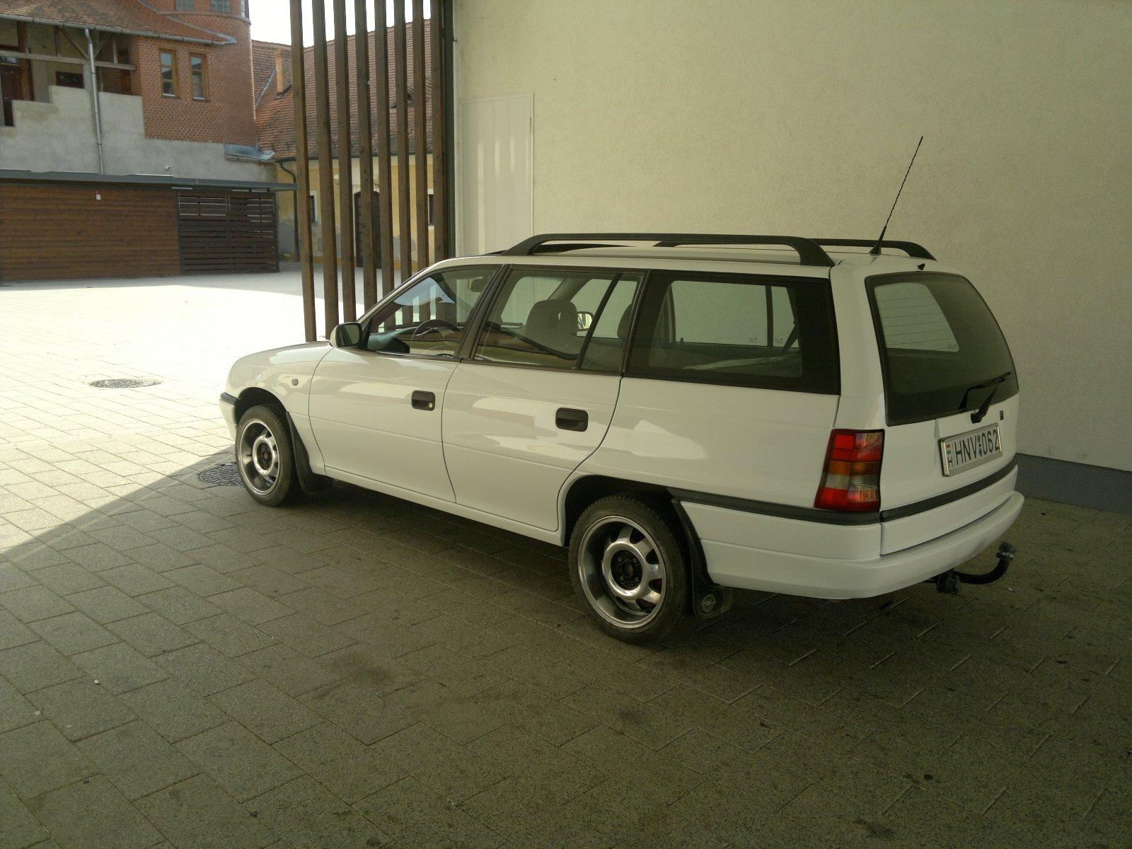 Opel Astra F Caravan tuning (FICSI) - CARSTYLING.COM    Magyar ... 6f7eb65bc7