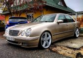 Mercedes E-osztály - Katonaadam