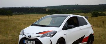 Toyota Yaris - sofibence